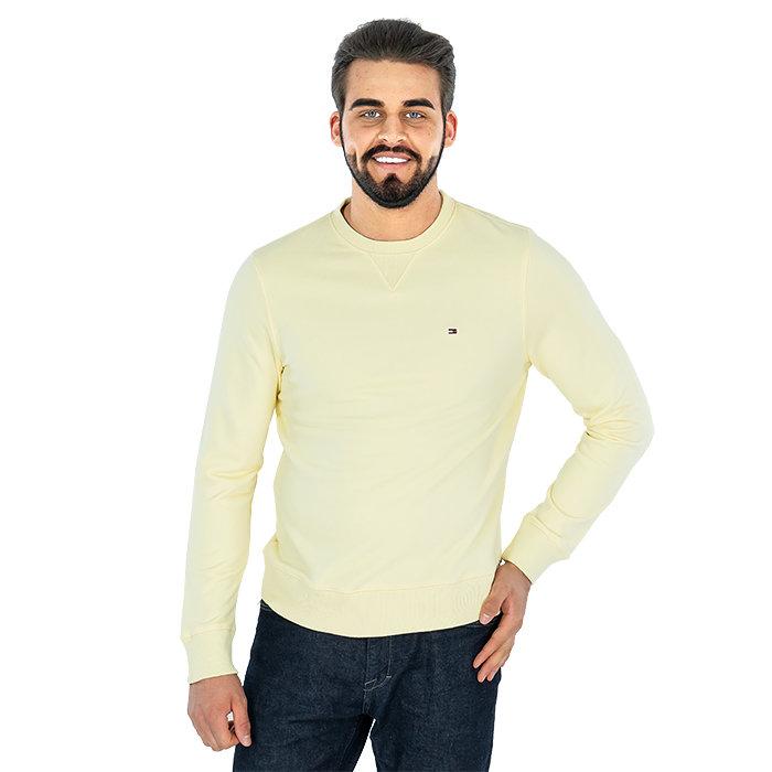 Tommy Hilfiger - Ein Set aus T-Shirt und Shorts